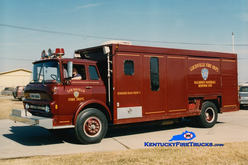 <center> RETIRED <br> Louisville  Hazmat 1 <br> x-Hazmat 15 <br> 1968 GMC/Hesse/1989 LFD <br> Kent Parrish photo </center>
