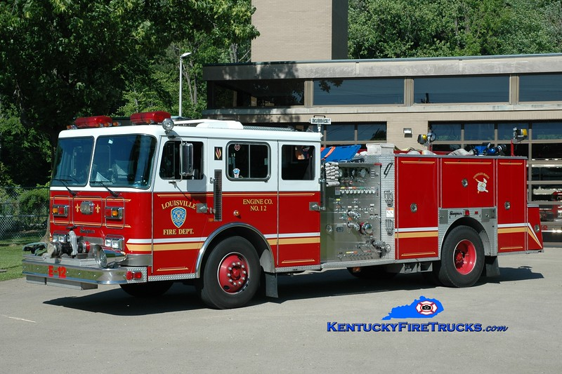 <center> Auxiliary Engine 107 <br> Louisville  Engine 12 <br> x-Engine 2 <br> 1995 Seagrave 1500/500 <br> Kent Parrish photo <br> </center>