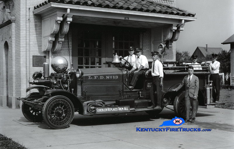 <center> Louisville  Engine 13 <br> *Also served as Engine 5  <br> 1917 Ahrens-Fox 800/0 <br> Kent Parrish collection <br> </center>