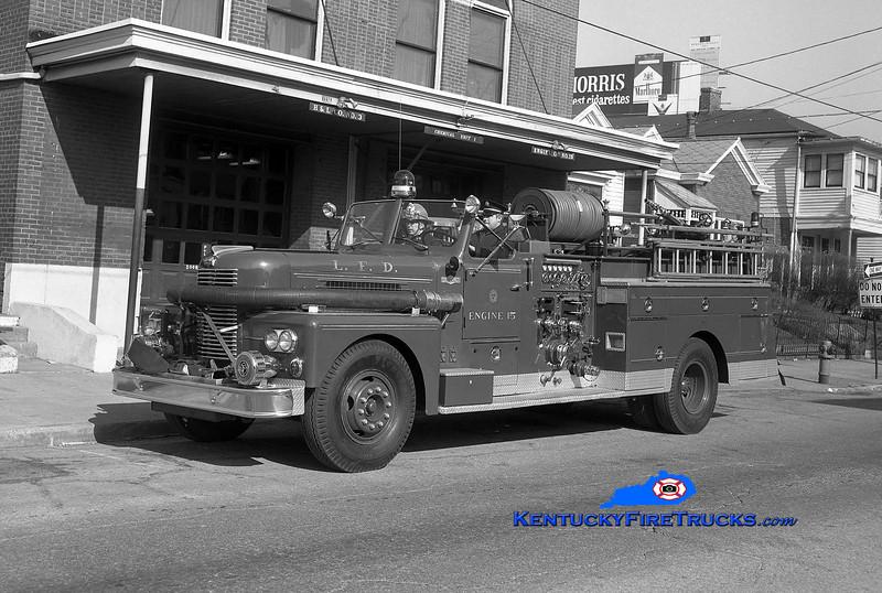 <center> RETIRED <br> Louisville  Engine 15 <br> 1961 Pirsch 1000/200 <br> Kent Parrish collection <br> </center>