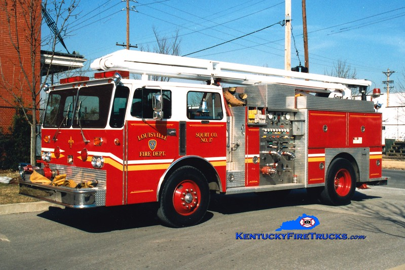 <center> RETIRED <br> Louisville  Squrt 17 <br> 1970 Ward LaFrance/1990 LFD/Duplex/Seagrave 1500/500/54' Squrt <br> *Chassis x-Engine 6 <br> Greg Stapleton photo <br> </center>