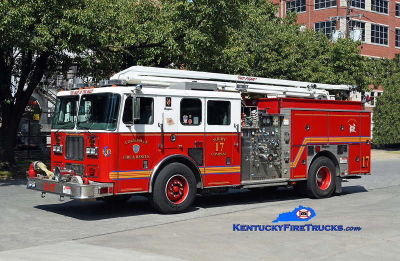 Louisville Squrt 17<br /> 2000 Seagrave Marauder 1500/500/54' Squrt<br /> Kent Parrish photo