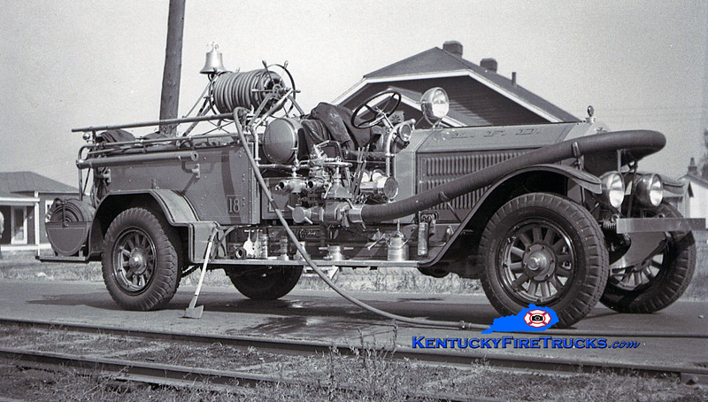 <center> RETIRED <br> Louisville  Engine 18 <br> 1927 American LaFrance Type 145 1000/0 <br> Kent Parrish collection <br> </center>