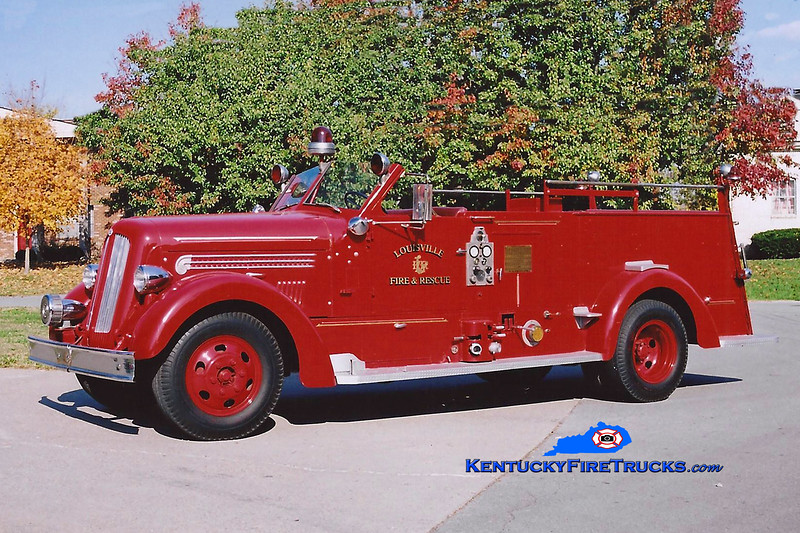 <center> Parade Engine <br> Louisville  Engine 20 <br> 1947 Seagrave 750/150  <br> Kent Parrish photo </center>