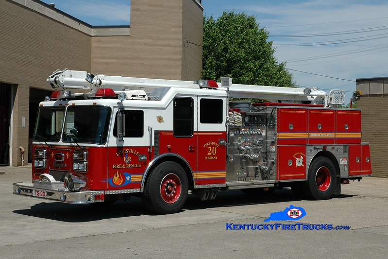 <center> Auxiliary Engine 111 <br> Louisville  Telesqurt 20 <br> x-Telesqurt 21 (ladder removed from boom) <br> 1992 Seagrave LB 1500/500/50' TeleSqurt  <br> Greg Stapleton photo </center>
