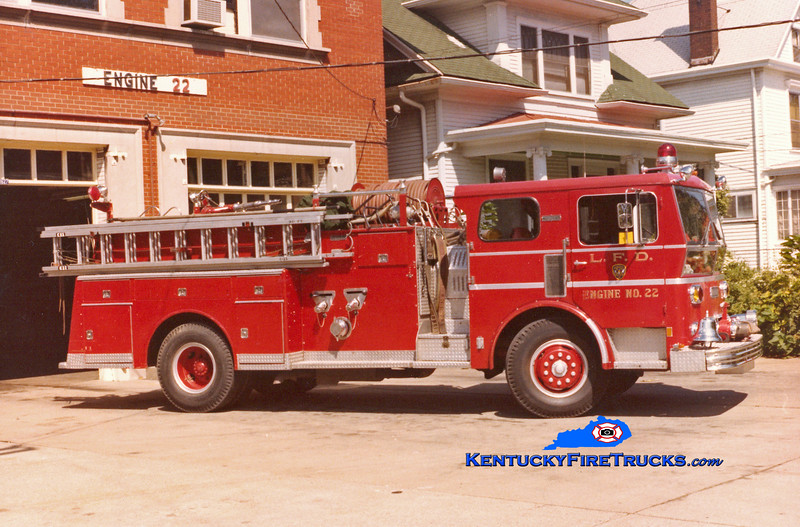 <center> RETIRED <br> Louisville  Engine 22 <br> 1970 Ward LaFrance 1000/300 <br> Kent Parrish collection </center>