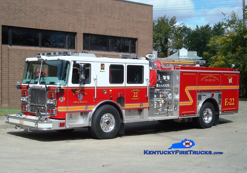 <center> Louisville  Engine 22 <br> 2009 Seagrave Marauder II 2000/500/20 <br> Greg Stapleton photo </center>