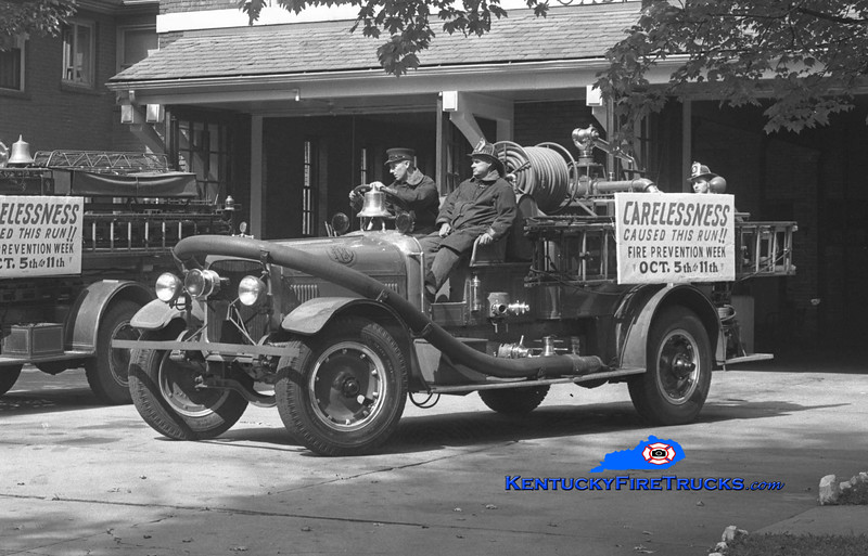 RETIRED <br /> Louisville Engine 23 <br /> 1925 Seagrave 750/90 <br /> Kent Parrish collection