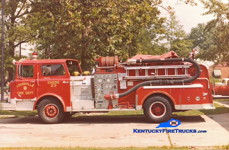 <center> RETIRED <br> Louisville  Engine 23 <br> 1971 Mack CF 1000/300 <br> Kent Parrish collection <br> </center>