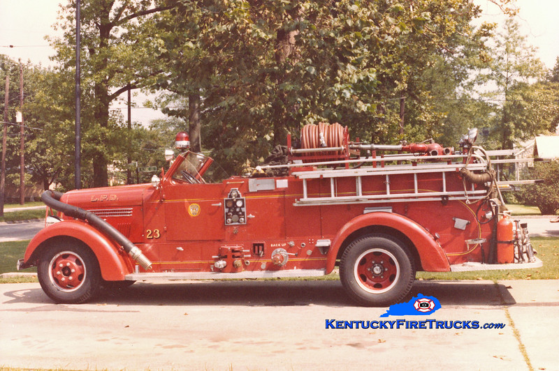 <center> RETIRED <br> Louisville  Engine 23 <br> x-Engine 15 <br> 1946 Seagrave 750/150 <br> Kent Parrish collection <br> </center>