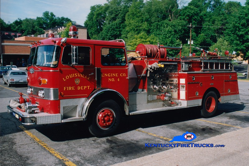 <center> RETIRED <Br> Louisville  Engine 4 <br> 1979 Pirsch 1500/300  <br> Greg Stapleton photo </center>