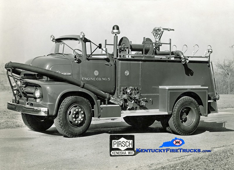 <center> RETIRED <br> Louisville  Wagon 5 <br> 1956 Ford C-800/Pirsch 500/100 <br> Kent Parrish collection  </center>