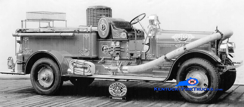<center> RETIRED <br> Louisville  Engine 6 <br> 1926 Seagrave 1000/90 <br> Kent Parrish collection </center>