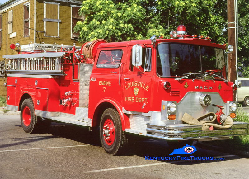 <center> RETIRED <br> Louisville  Engine 7 <br> 1976 Mack CF 1250/300 <br> Kent Parrish collection <br> </center>