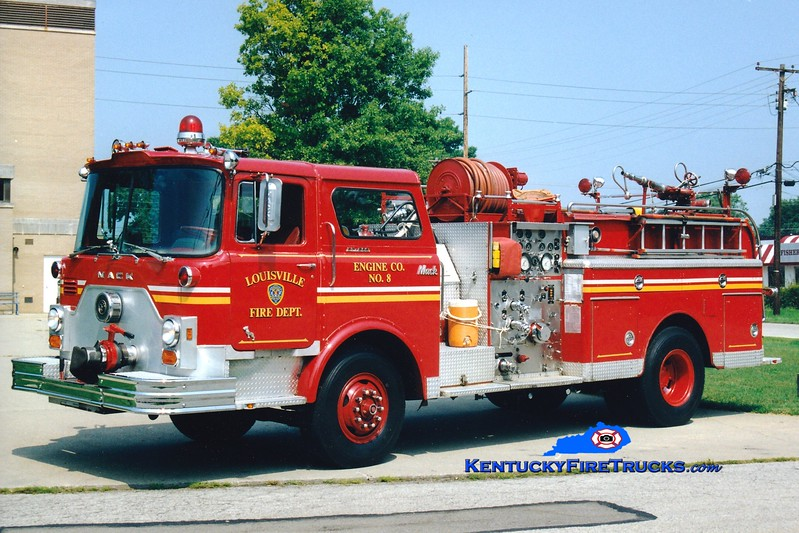 <center> RETIRED <br> Louisville  Engine 8 <br> x-Engine 7 <br> 1976 Mack CF 1250/300 <br> Greg Stapleton photo </center>