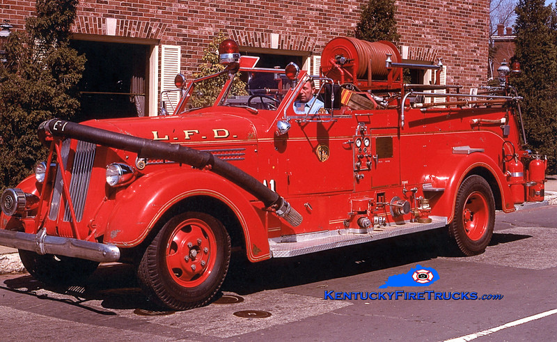 RETIRED <br /> Louisville  Engine 1<br /> 1947 Seagrave 750/150<br /> Kent Parrish collection