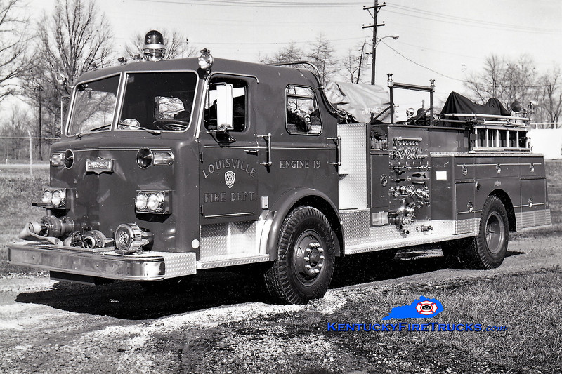 RETIRED<br /> Louisville Engine 19<br /> 1974 Pirsch 1000/300<br /> Greg Stapleton collection