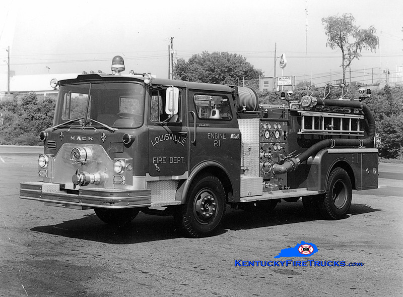 <center> RETIRED <br> Louisville  Engine 21 <br> 1971 Mack CF 1000/300 <br> Kent Parrish collection  </center>