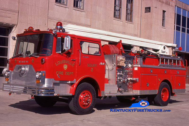 <center> RETIRED <BR> Louisville  Squrt 2 <br> 1974 Mack CF 1000/300/54' Squrt <br> Kent Parrish collection </center>