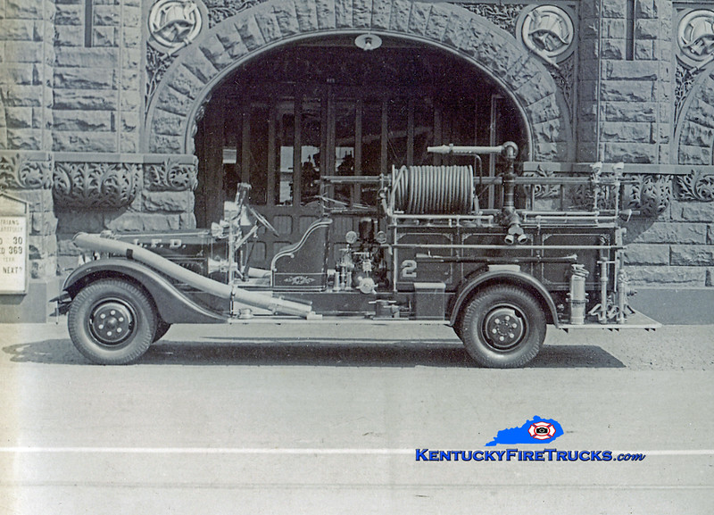 <center> RETIRED <br> Louisville  Engine 2 &amp; Wagon 2 <br> 1935 Schacht/Ahrens-Fox 500/0 <br> Kent Parrish photo </center>