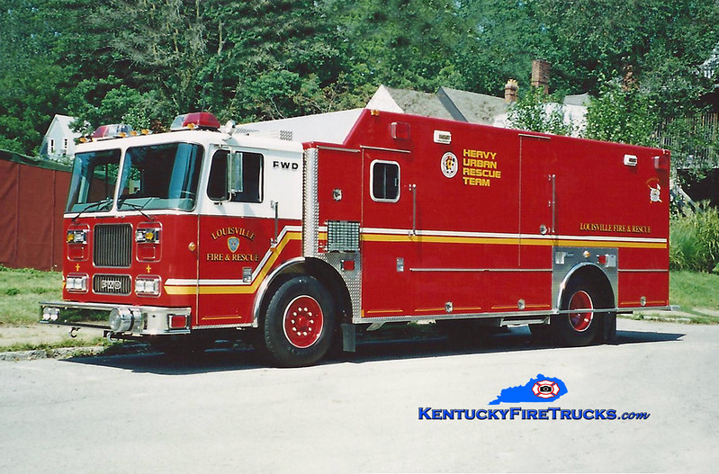 Louisville Rescue 11<br /> 2000 FWD-Seagrave/Marion<br /> Kent Parrish photo