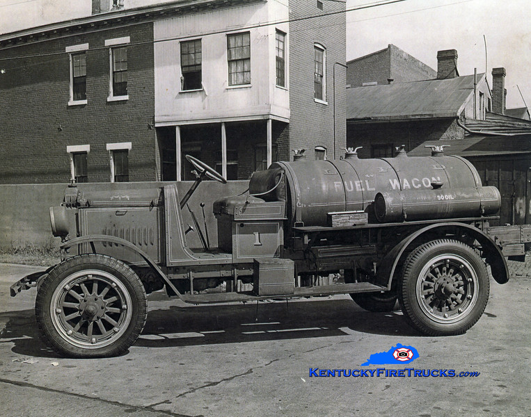 RETIRED<br /> Louisville Fuel Wagon<br /> 1918 Nash <br /> Kent Parrish collection
