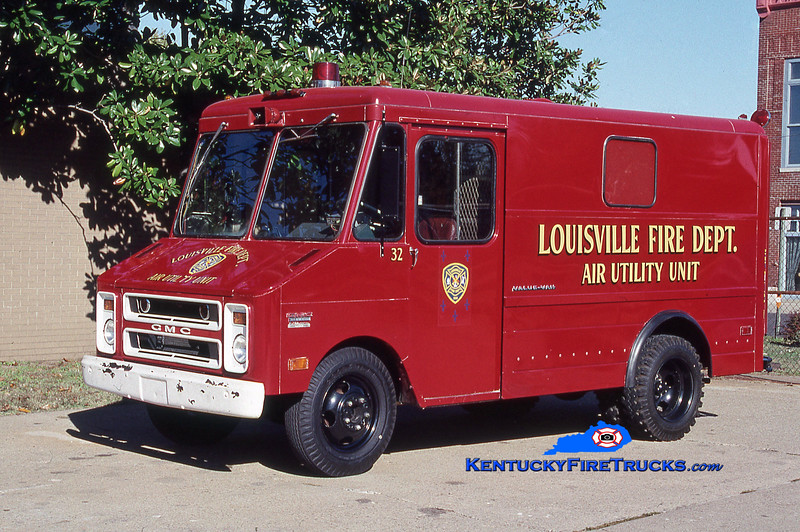 RETIRED<br /> Louisville Car 32<br /> 1974 GMC Air Utility Unit<br /> Kent Parrish collection