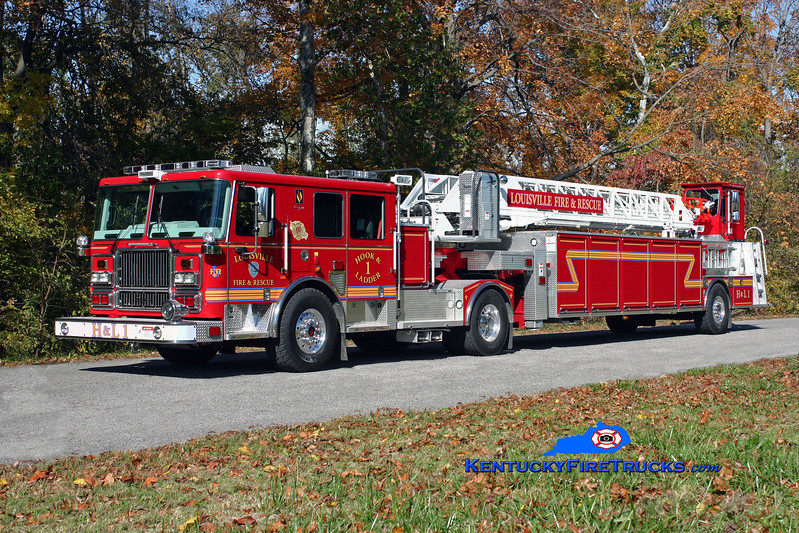 <center> Louisville  Truck 1 <br> 2009 Seagrave Marauder II 100'  <br> Kent Parrish photo </center>