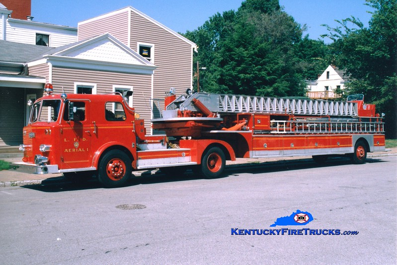 <center> RETIRED <Br> Louisville  Truck 1 <br> 1967 Pirsch 100'  <br> Greg Stapleton photo </center>