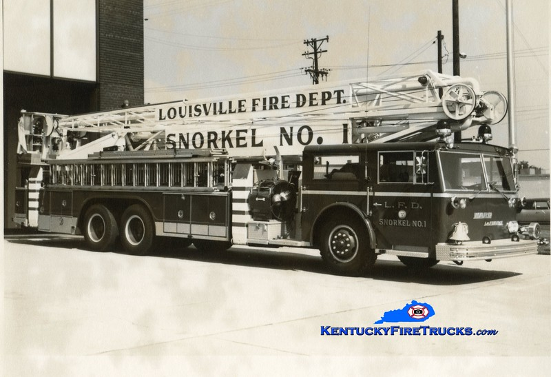 RETIRED<br /> Louisville Snorkel 1<br /> 1965 Ward LaFrance 70' Hi-Ranger<br /> Kent Parrish collection