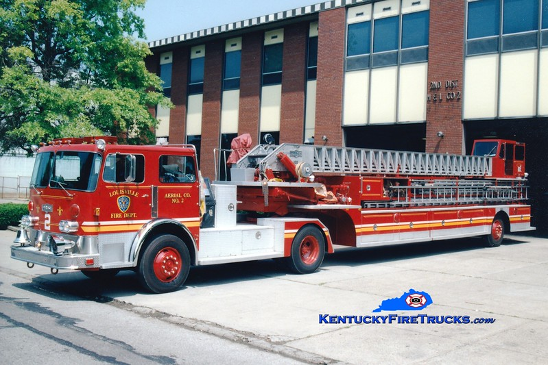 <center> PRIVATELY OWNED <br> Louisville  Truck 2 <br> 1982 Pirsch 100'  <br> Greg Stapleton photo </center>