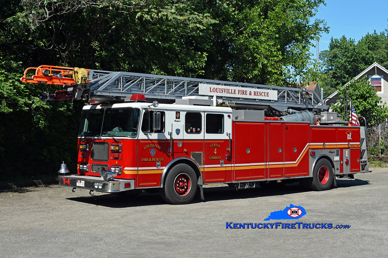 Louisville Truck 4 <br /> 2000 Seagrave Marauder 100'<br /> Kent Parrish photo