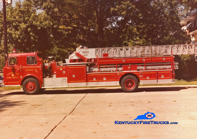 <center> RETIRED <br> Louisville  Truck 8 <br> 1972 Pirsch 85' <br> Kent Parrish collection </center>