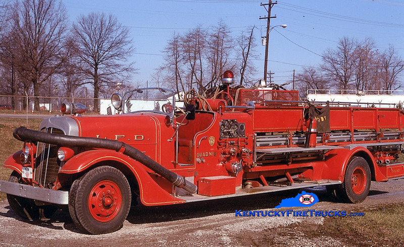 RETIRED <br /> Louisville Quad 9<br /> x-Quad 8<br /> 1937 Ahrens-Fox 750/100 <br /> Kent Parrish collection