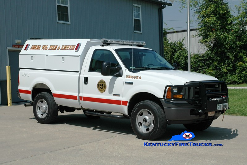 <center> Berea Vol Fire & Rescue Squad  Rescue 4 <br> 2005 Ford F-350 4x4 <br> Greg Stapleton photo </center>