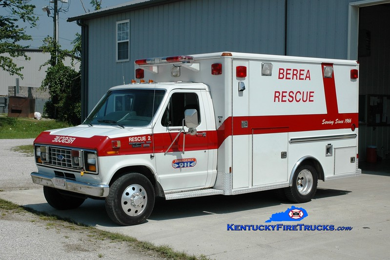 <center> RETIRED <br> Berea Vol Fire & Rescue Squad  Rescue 2 <br> 1990 Ford E-350/Wheeled Coach <br> Greg Stapleton photo </center>