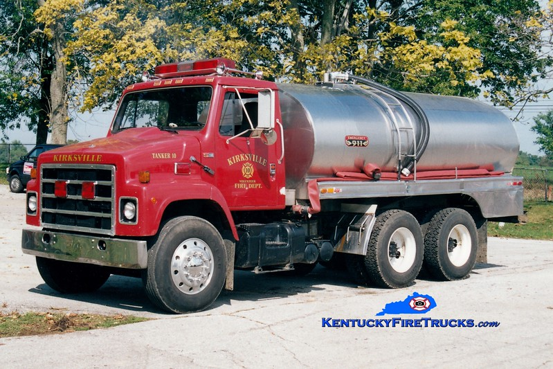 <center> RETIRED <br> Kirksville  Tanker 10 <br> x-Swatara Twp, PA <br> 1988 International/1972 Car-Mar 0/2800 <br> Greg Stapleton photo </center>