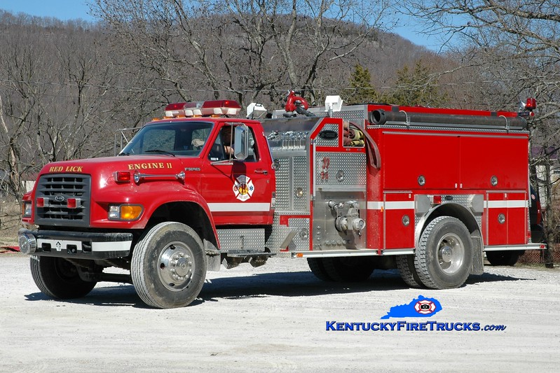 <center> Red Lick  Engine 11 <br> 1998 Ford F-800/E-One 1250/1000 <br> Greg Stapleton photo </center>