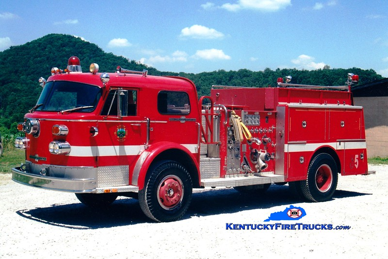 <center> RETIRED <br> Red Lick  Engine 5 <br> x-Lexington, KY <br> 1974 American LaFrance 1000 Series 1500/500 <br> Greg Stapleton photo </center>