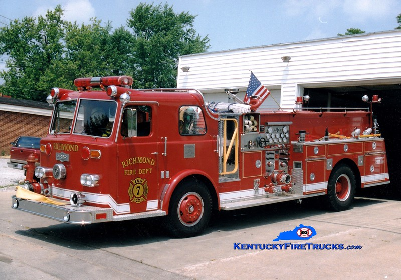 <center> RETIRED  <br> Richmond  Engine 7 <br> 1967 Pirsch/1991 Summit 1250/500 <br> Greg Stapleton photo </center>
