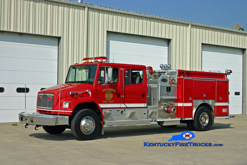<center> RETIRED <br> Richmond  Engine 4 <br> 1999 Freightliner FL80/E-One 1250/1000 <br> Kent Parrish photo </center>