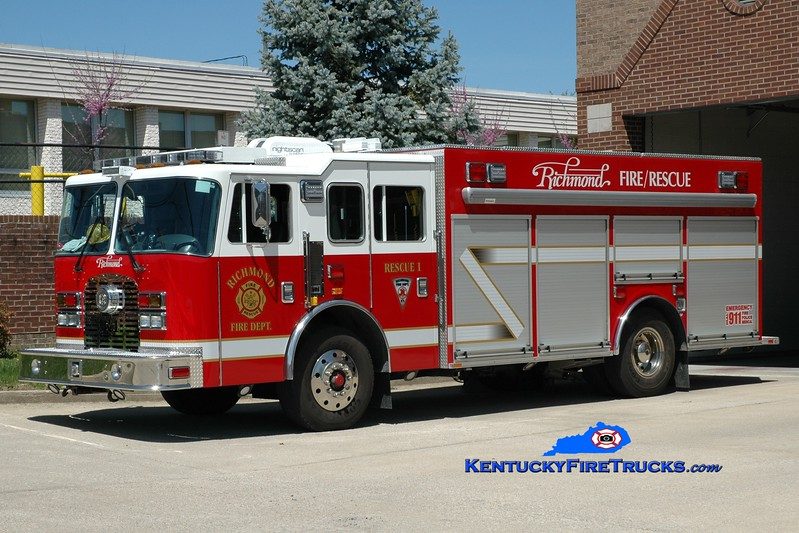 <center> Richmond  Rescue 1 <br> 1997 KME Excel/2014 Southeast <br> Greg Stapleton photo </center>