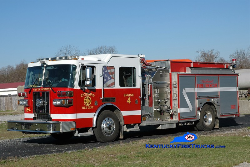 Richmond  Engine 4<br /> 2007 Sutphen Shield 1500/1000<br /> Greg Stapleton photo