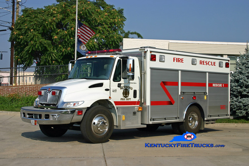<center> Richmond  Hazmat 1 <br> 2003 International 4400/EVI  <br> Kent Parrish photo </center>