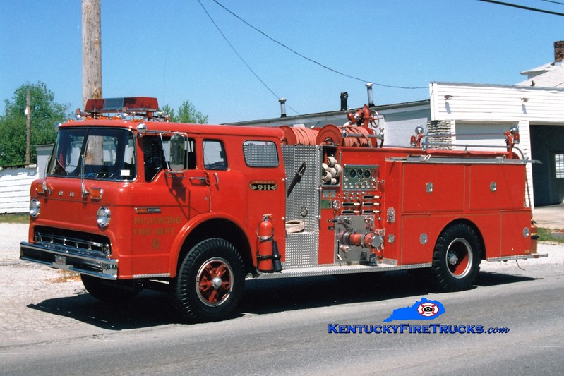 <center> RETIRED <br> Richmond  Engine 6 <br> 1977 Ford C/Sutphen 1000/500 <br> Greg Stapleton photo </center>