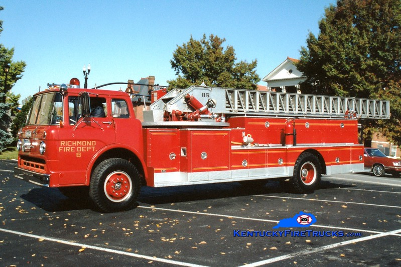 <center> RETIRED <br> Richmond  Aerial 8 <br> 1968 Ford C/Pirsch 85'  <br> Greg Stapleton photo </center>