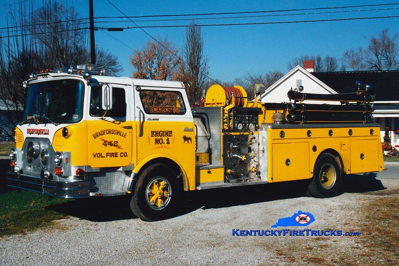 <center> Bradfordsville  Engine 1  <br> x-Hereford, MD <br> 1977 Mack CF 1000/800  <br> Greg Stapleton photo </center>