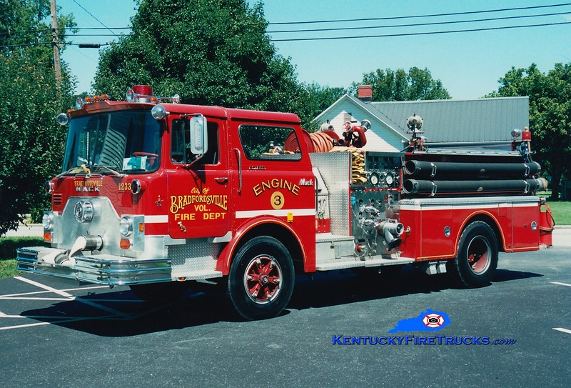 <center> Bradfordsville  Engine 3  <br> x-Harrods Creek, KY <br> 1976 Mack CF 1250/500  <br> Greg Stapleton photo </center>
