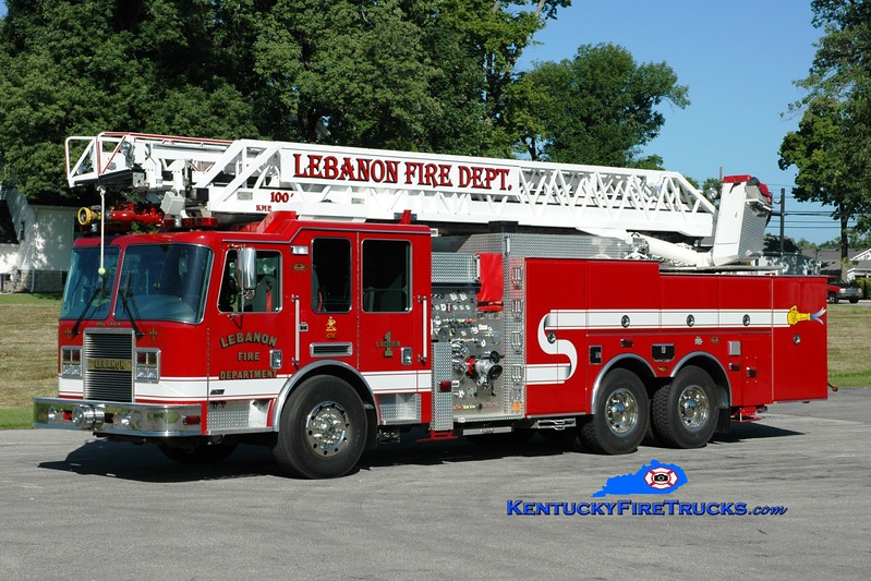 <center> Lebanon, KY  Ladder 1 <br> 2007 KME Predator 1500/500/100' <br> Greg Stapleton photo </center>