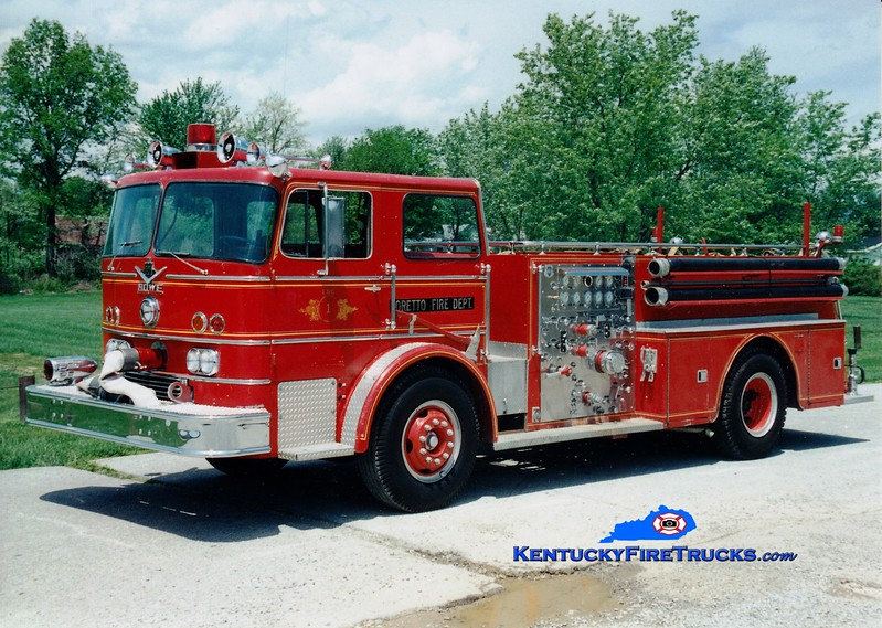 <center> RETIRED <br> Loretto  Engine 1 <br> x-Fort Wayne, IN <br> 1966 International CO-8190/Howe 1250/500 <br> Greg Stapleton photo </center>